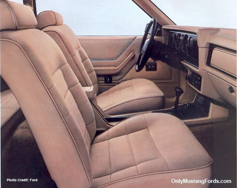 1984 ford mustang interior