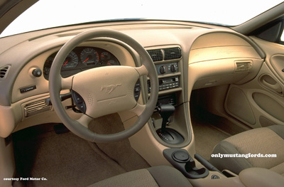 1999 ford mustang gt interior