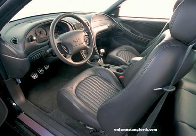 2001 ford mustang bullitt interior