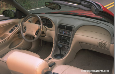 2001 ford mustang interior