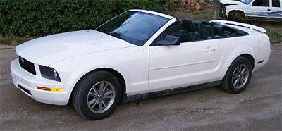 2005 mustang V6 Convertible