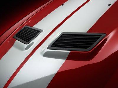 2007 mustang gt 500 hood detail