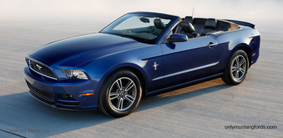 2013 mustang v6 by Ford