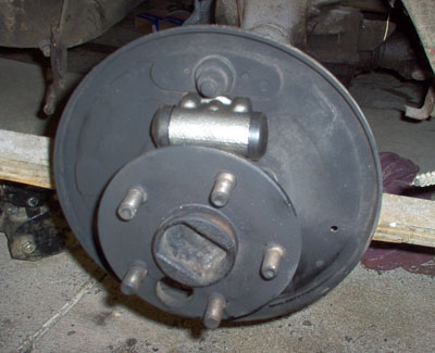ford mustang wheel cylinder attachment