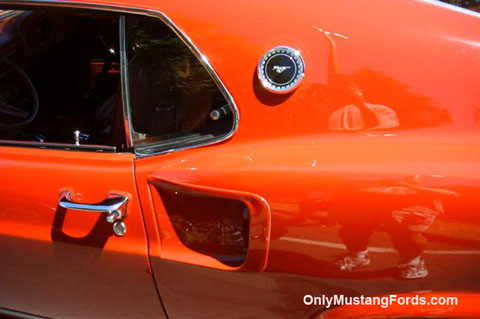 1969 Ford Mustang quarter panel scoop