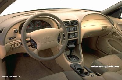 1999 ford mustang gt interior