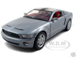 2004 mustang concept car diecast